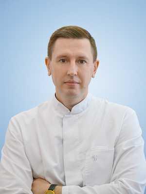 Алексей Алексеевич Колчев. Врач стоматолог - ортодонт. Стаж работы с 1998 года.