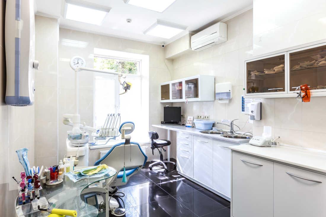 Сколько стоит удалить зуб в Люберцах